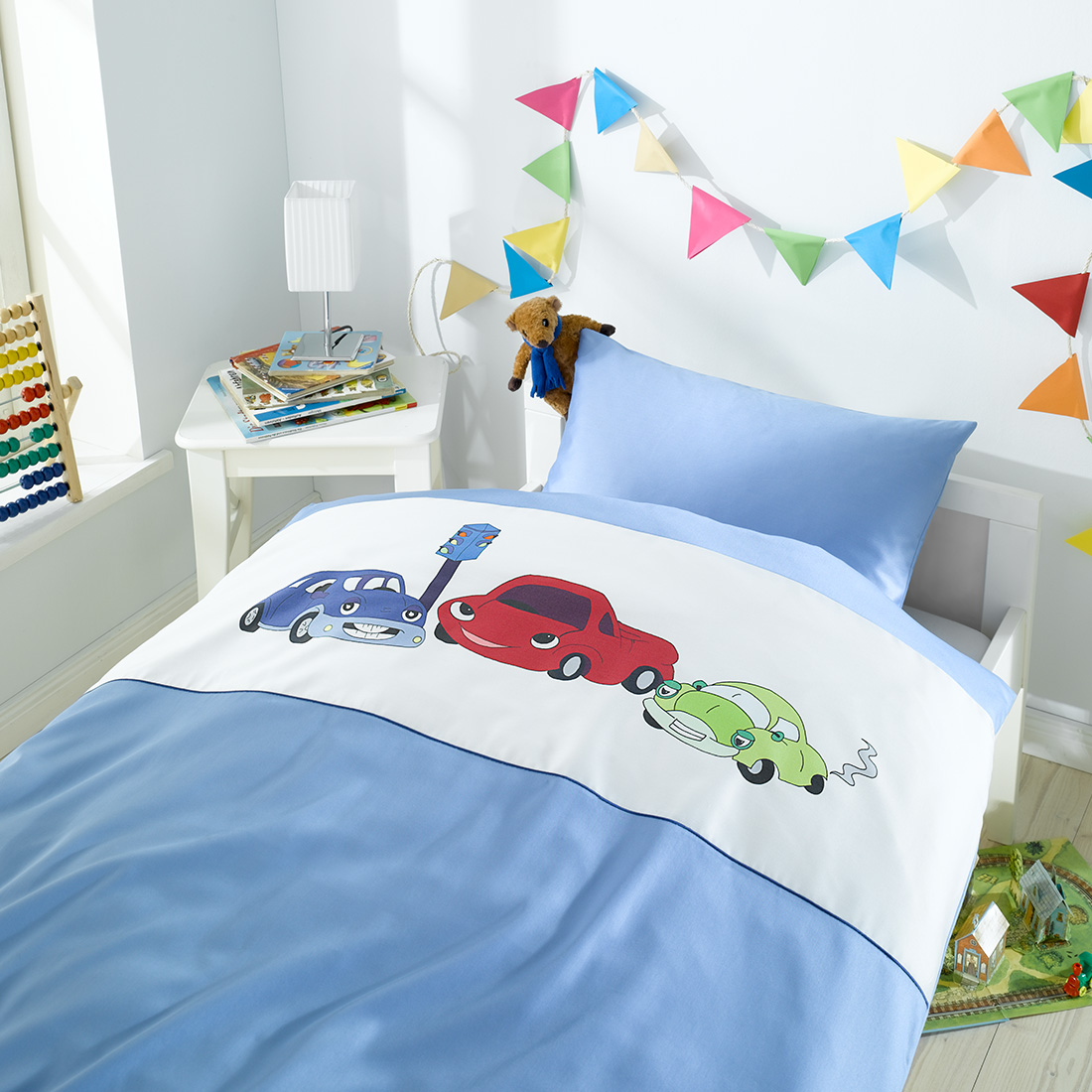 Bettwäsche Kinder Mako Satin.Kinderbettwasche Mit Grinsenden Autos Bettenhaus Sachse